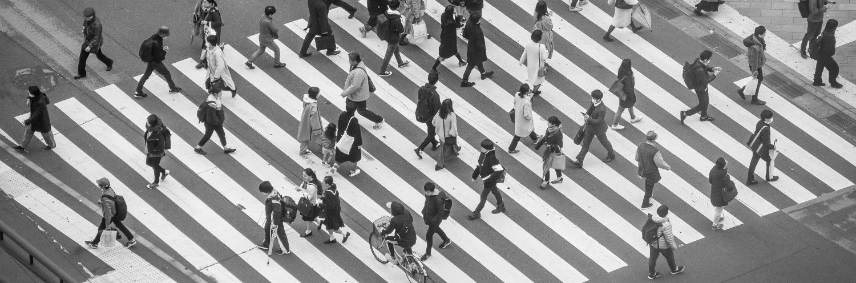 keynote_behavioural_speakers_picture_of_crossing_by_Yoav_Aziz